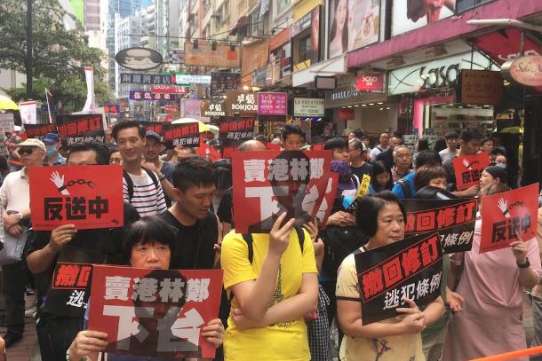 香港十三萬人上街反引渡修訂,宗教界憂支援中國教會添風險