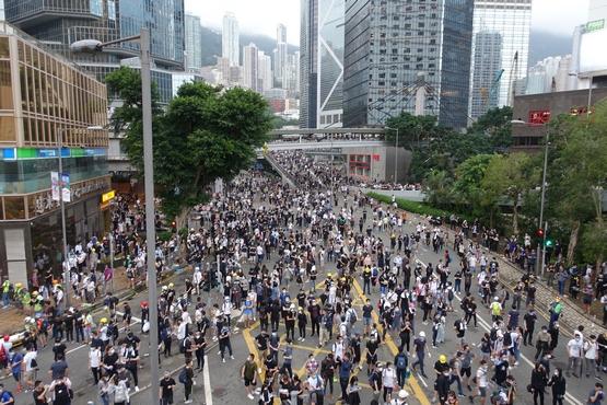 【博文】〈致太陽花.青春〉-獻給為自由香港獻身的青年人
