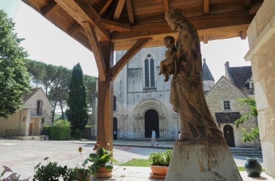 法國本篤會修院歡迎假釋連環殺人犯隱修惹爭議