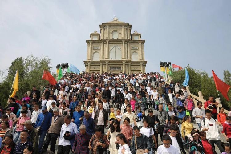 中國政府擬拆毀太原聖母朝聖地,觸發近萬教友前往參與瞻禮