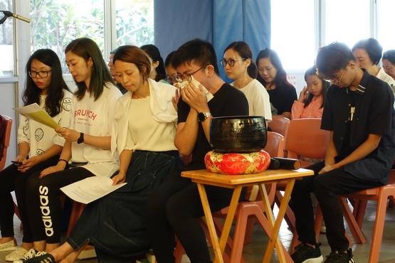 香港逾四十處教堂為社會敲鐘祈禱,信徒冀鐘聲能喚醒良知